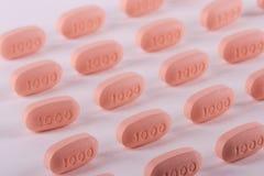 Medicina da prescrição nas fileiras. imagens de stock royalty free