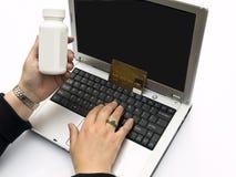 Medicina de compra en línea Imagen de archivo libre de regalías