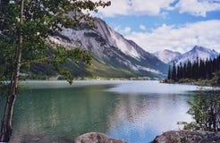 Medicina del lago - montagne delle Montagne Rocciose Immagini Stock Libere da Diritti