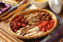 Medicina di erbe cinese Fotografia Stock Libera da Diritti