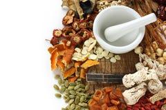 Medicina di erbe del cinese tradizionale Immagini Stock