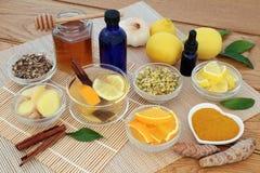 Medicina di erbe per influenza ed il rimedio freddo immagine stock