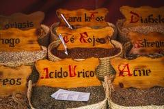Medicina di erbe, venditore ambulante delle erbe medicinali, benessere, spi Immagine Stock Libera da Diritti