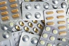 Medicina en fondo del conjunto de ampolla Fotografía de archivo libre de regalías