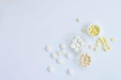 Medicina, fundo branco Fotos de Stock Royalty Free