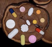 Medicina na tabuleta e na cápsula fotografia de stock