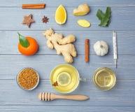 Medicina naturale per la tosse su di legno Fotografie Stock