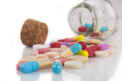 Medicina no branco Imagens de Stock
