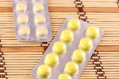 Medicinal pills piled up a bunch of closeup Royalty Free Stock Images