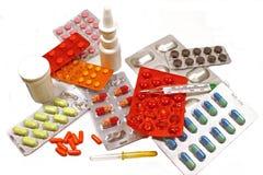 Medicinas em um fundo branco Foto de Stock Royalty Free