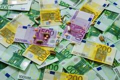 Medicinas y el euro Imágenes de archivo libres de regalías