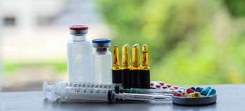 Medicine and ampule and injection Royalty Free Stock Photography