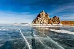 Medicinman Rock, vinter Lake Baikal royaltyfria bilder