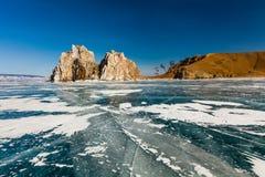 Medicinman Rock, vinter Lake Baikal Ryssland royaltyfri foto
