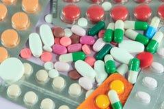 Medicinpreventivpillerar & kapslar Royaltyfri Foto