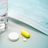 Medicinsk behandling för influensa Fotografering för Bildbyråer