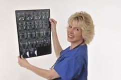 medicinsk bildläsning för ct-doktor Royaltyfria Bilder