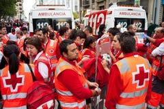 Medicinsk personal, ambulans, på San Fermin Royaltyfri Fotografi