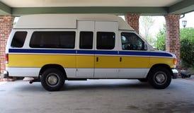 medicinsk transportskåpbil Royaltyfria Bilder