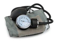 Medicinsk utrustning för blodtryckmeter som isoleras på vit royaltyfria bilder