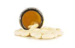 medicinska preventivpillerar från den bruna flaskan Royaltyfri Bild