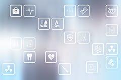 Medicinska symboler på den faktiska skärmen Modern teknologi i medicin Arkivbilder