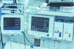 Medicinska teknologibildskärmar Arkivfoto
