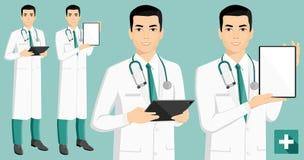Medico asiatico con la compressa digitale royalty illustrazione gratis