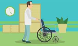 Medico che spinge una sedia a rotelle vuota Medico integrale che sta sedia a rotelle vicina Fotografie Stock Libere da Diritti