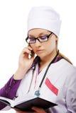 Medico con il cellulare Immagine Stock Libera da Diritti