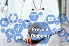 Medico con lo stetoscopio e la parola impediscono il diabete in Med immagini stock