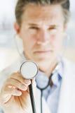 Medico con stethescope Immagine Stock