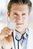 Medico con stethescope Immagini Stock Libere da Diritti