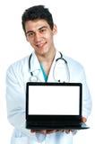 Medico con un computer Fotografia Stock Libera da Diritti