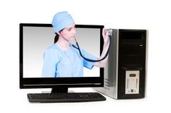 Medico dallo schermo di computer Fotografie Stock Libere da Diritti