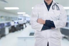 Medico del ritratto sull'ospedale Fotografia Stock