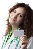 Medico della donna con il biglietto da visita Fotografie Stock Libere da Diritti