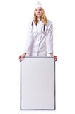 Medico della donna con la scheda Fotografia Stock Libera da Diritti