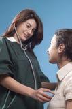 Medico e paziente immagine stock libera da diritti