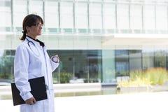 Medico femminile amichevole Fotografia Stock Libera da Diritti