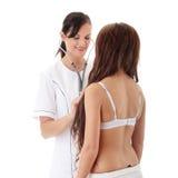 Medico femminile con il paziente fotografia stock libera da diritti