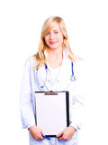 Medico femminile sorridente con lo stetoscopio Immagini Stock