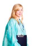 Medico femminile sorridente con lo stetoscopio Fotografie Stock Libere da Diritti