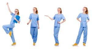 Medico grazioso di dancing in uniforme del blu con i documenti isolati Immagini Stock Libere da Diritti
