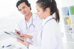 Medico interessato Fotografia Stock