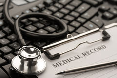 Medico in linea Fotografie Stock
