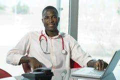 Medico maschio casuale Fotografia Stock