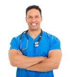 Medico maschio invecchiato centrale Immagini Stock