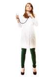 medico Medico della donna in cappotto del laboratorio con lo stetoscopio immagine stock