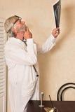 Medico preoccupato con i raggi x Fotografie Stock Libere da Diritti